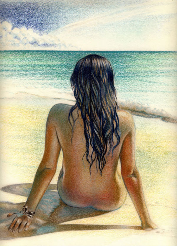 Chica de espaldas al mar