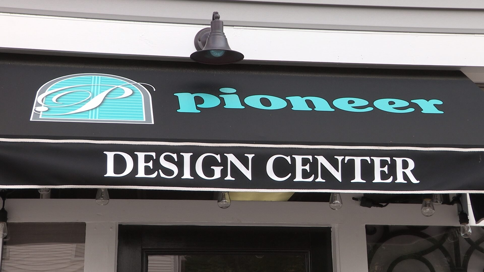 Pioneer Building Shopext002_001