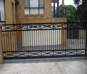 Sliding Gate (3)