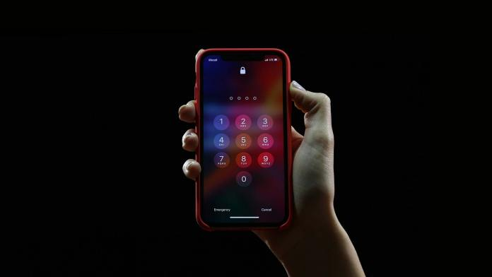There-are-the-most-interesting-hidden-Android-and-iPhone-key-combinations-Secret-codes-apple