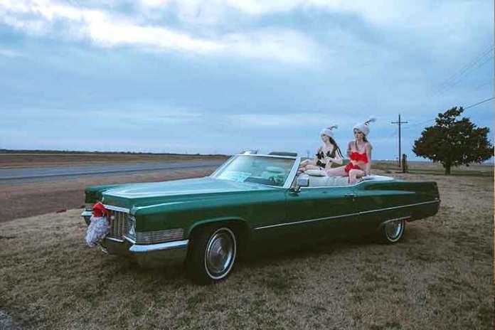 how-to-take-vintage-look-christmas-shoot