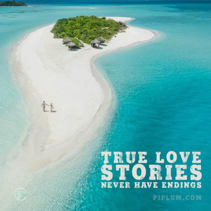 love-quote-in-the-beach-couple