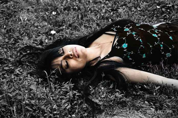 perfume-or-a-scent-plays-a-major-role-in-trigerring-memories-girl-happy-grass-lie-down-sleep