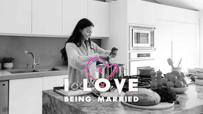 I-Love-Being-Married-houswife-kitchen-quote