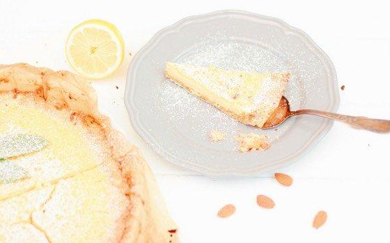 Zitronentarte mit Mandelboden