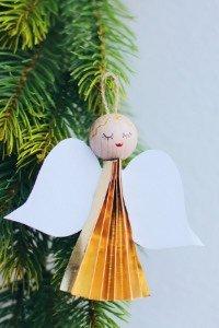 Diese niedlichen Weihnachtsengel basteln geht total einfach und schnell. Und sie machen sich sehr gut am Baum! Last-minute DIY Christbaumschmuck!