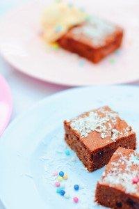 Schnelles Rezept für leckere, saftige Brownies, wenn man mag auch vegan.