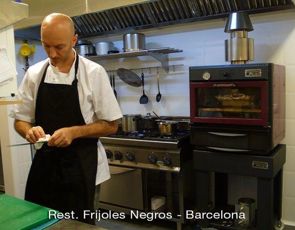 Restaurante Frijoles Negros - Horno de brasa Pira 48 classic