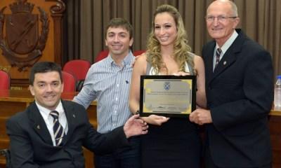 Atleta é a mais jovem a receber o título - Foto: Davi Negri / Câmara Vereadores de Piracicaba