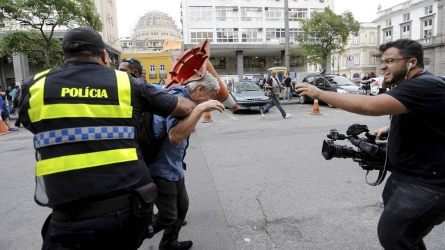 Jornalista foi vitima de agressão. (Reprodução / Internet)