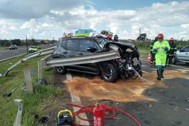 Homem de 57 anos perde controle de veículo e morre em grave acidente de trânsito
