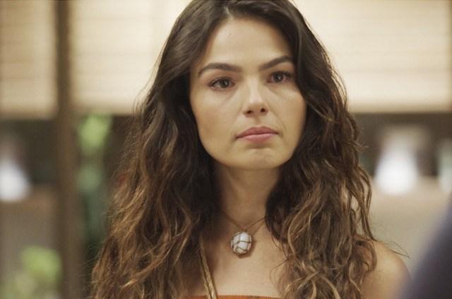 Betina (Ísis Valverde) em Amor de Mãe (Foto: Globo)