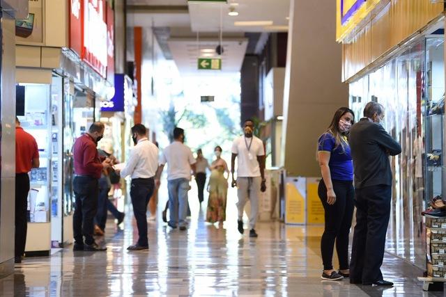 Shoppings esperam movimento até 50% menor após reabertura em São Paulo