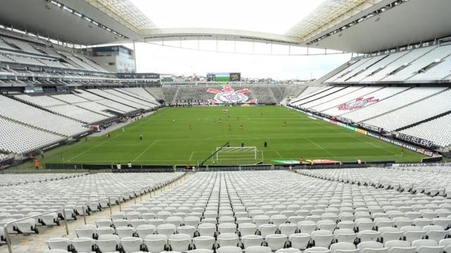 Corinthians cede arena e dá desconto em testes de Covid-19 para sócios