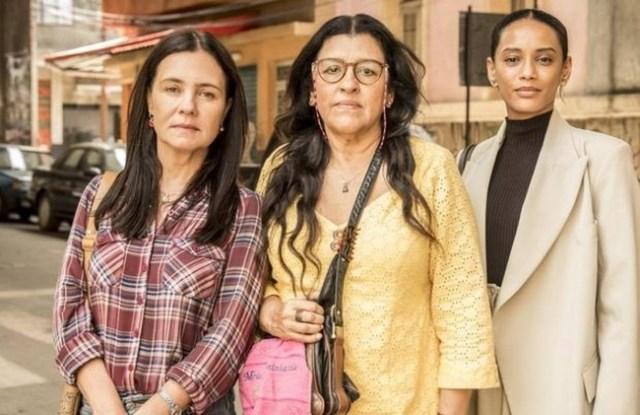 uma foto do elenco de amor de mãe globo