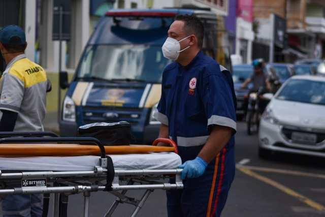 Motogril fica ferida após colisão entre duas motocicletas em Piracicaba