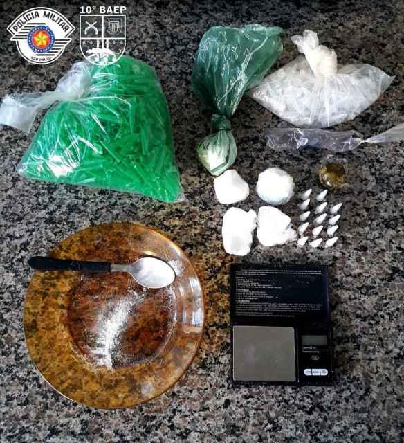 Em Piracicaba, BAEP apreende dois indivíduos por crime de tráfico de drogas