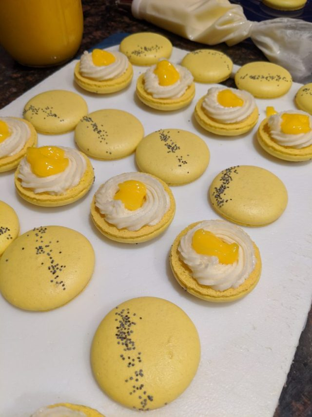 Filled macarons with Meyer Lemon Curd