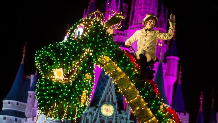 Main Street Electrical Parade in Walt Disney World | Pete's Dragon Float
