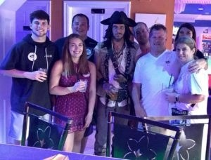 pub crawl new orleans, bar crawl new orleans, new orleans bachelorette party ideas, new orleans bachelor party ideas, nola bachelor party ideas, pirates alley new orleans, pirates alley