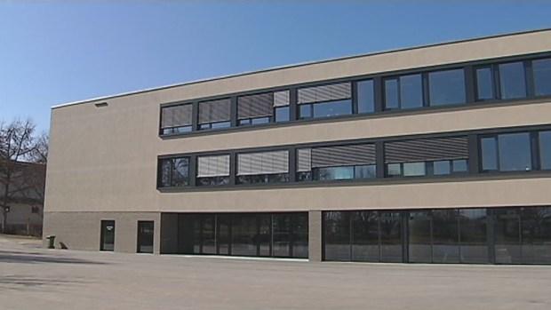 Seit dem 07. März 2014 werden die Gauß-Oberschüler schon im neuen Schulgebäude unterrichtet. Am 10. […]