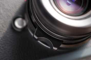 Voigtlander 28mm Ultron f/2.0 VM