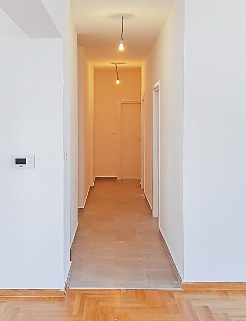 Prodaja apartmana Budva (7 of 14)