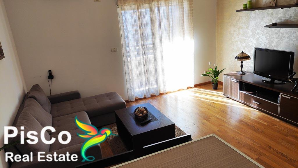 Izdaje se lux jednosoban stan u City Kvartu + garaža | Podgorica