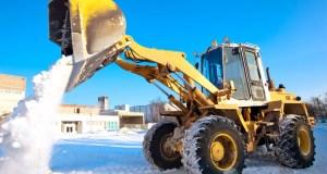 Stavebné stroje vám pomôžu aj s nečakaným snehom na konci zimy