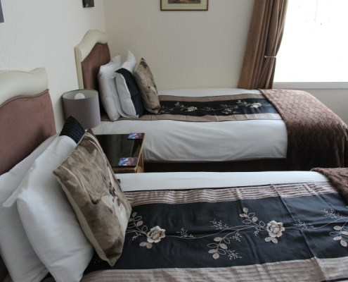 Twin ensuite for bed and breakfast Inverness