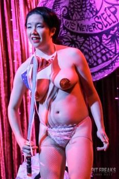 burlesque-is-a-basterd-206