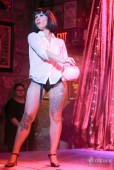 burlesque-is-a-basterd-263