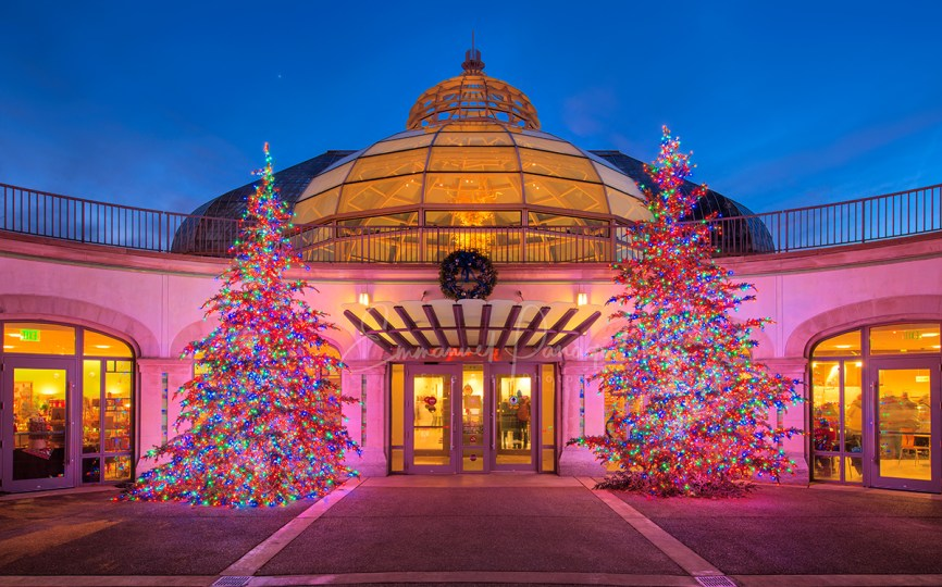 Phipps Conservatory Christmas 2019.Pittsburgh S Spectacular Holiday Magic Let It Glow Is Now