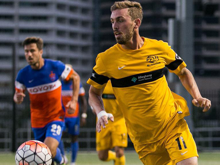 Hertzog's late goal propels Riverhounds past Charleston