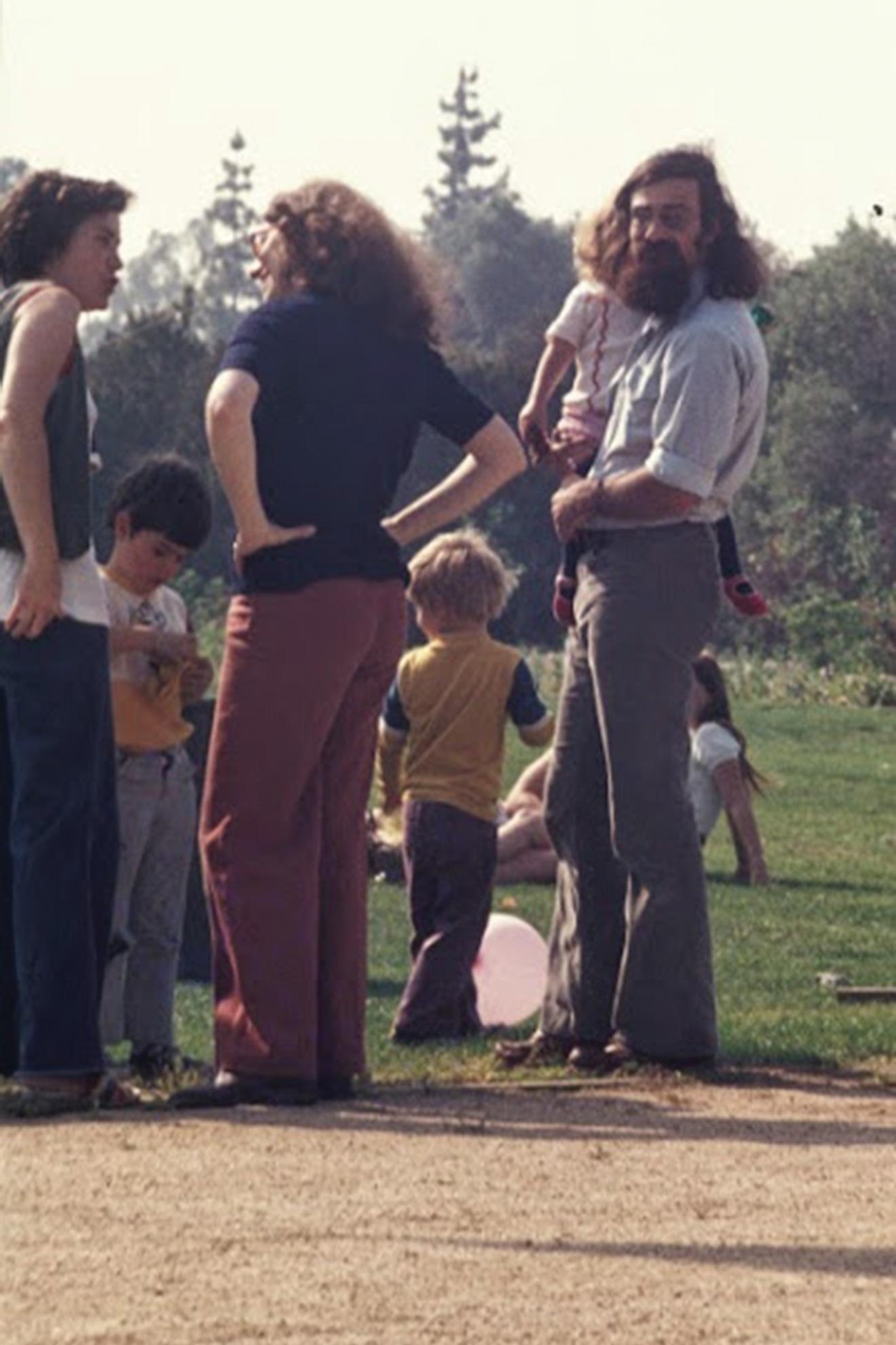 Kohoutek 1976 - Professor Barry Sanders and family.