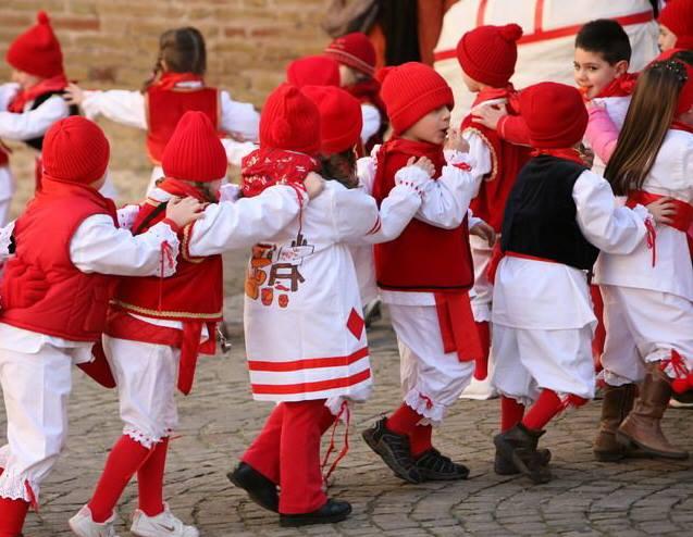 Carnevale storico Offida_trenino_bambini