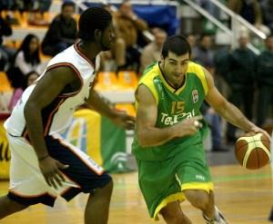 Fuente: baloncesto.diariodeavisos.com Chagoyen es todo un idolo en Los Barrios