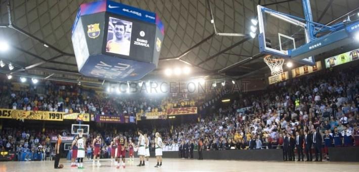 Fuente: fc.barcelona El Palau,la que fue su casa durante 2 temporadas...guardando 1 emotivo minuto de silencio