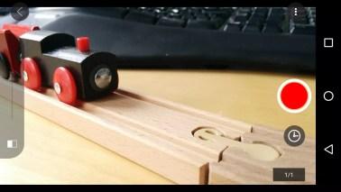 3. Jetzt seit ihr beim der Kameraarbeit: Objekt positionieren - Foto mit dem roten Kreis machen - Zug ein bisserl weiter schieben - Foto machen etc etc.
