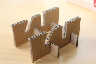 Karton-Stativ
