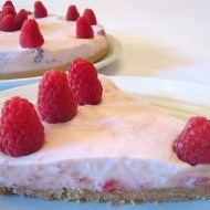 Torta Fredda allo Yogurt con Lamponi
