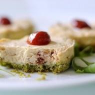 Mini Cheesecake Salati ai Pomodorini Secchi e Rucola