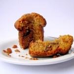 Muffins alla Nocciola con Prugne e Cioccolato Bianco