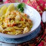 Spaghetti alla Chitarra con Gamberoni al Pompelmo Giallo, Cipolla di Tropea e Pistacchi