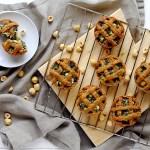 Crostatine Salate di Farro con Bietole, Feta e Nocciole