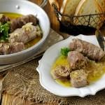 Sasizzeddi Aggrassati: Involtini di Carne Palermitani con Pinoli e Uva Passa