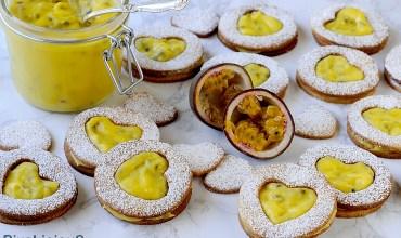 Biscotti con Passion Fruit Curd