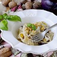 Paccheri con Pesto di Melanzane, Ricotta Salata e Noci