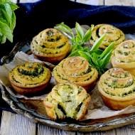 Cheese Garlic Basil Swirl Bread Rolls – Girelle di Pasta Lievitata con Pecorino, Aglio e Basilico