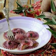 Ravioli di Barbabietola Ripieni di Patate e Gorgonzola